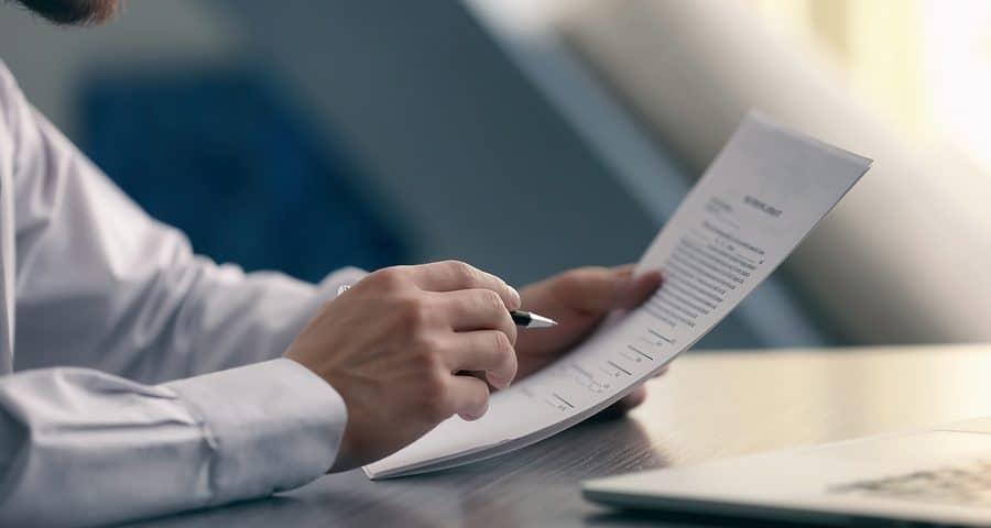 Abfindung: im Dienstvertrag vereinbarte Abfindung keine tarifbegünstigte Entschädigung